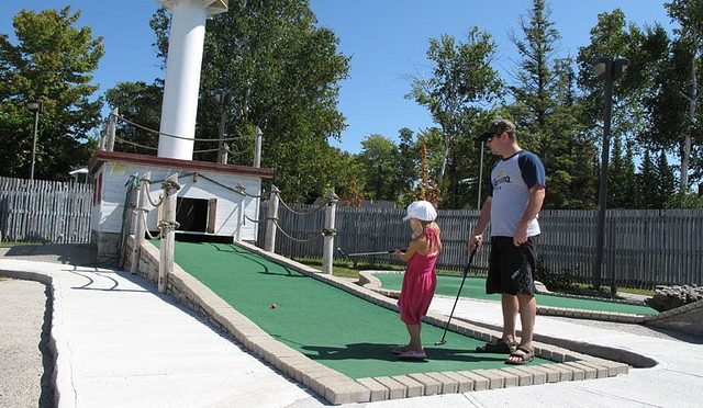 Golf Game: How to Encourage Kids by Playing Golf with them